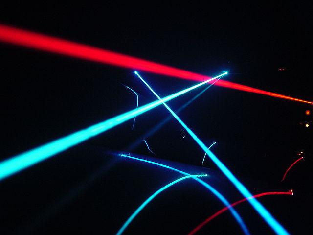 640px-Laser_play